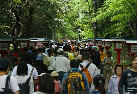 0508-Takao-Crowd04