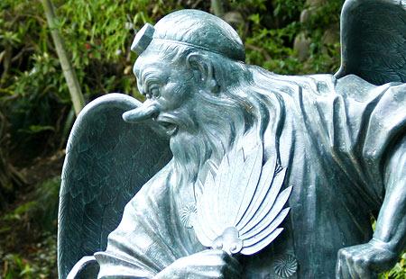 0508-Takao-Tengu Statue